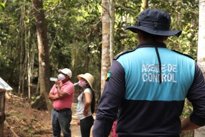 Turistas visitan el Coca Zoo con medidas de bioseguridad